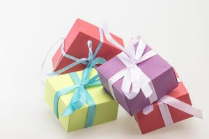 gifts-570808_960_720